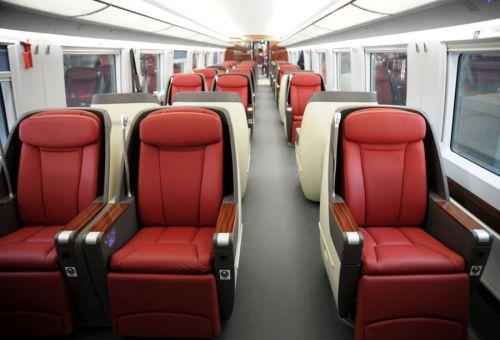 飞机,汽车上有安全带,为什么时速超过300公里的高铁